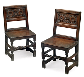 A PAIR OF WILLIAM III OAK CHAI