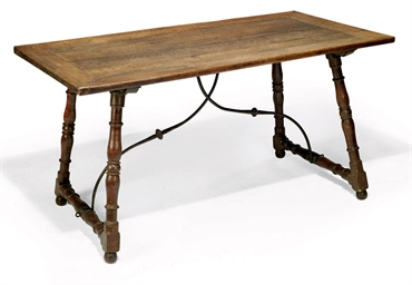 A SOUTHERN FRENCH OAK TABLE