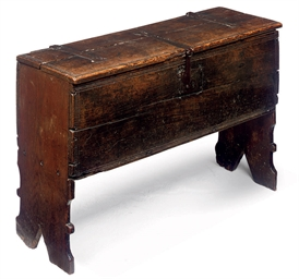 AN ELIZABETHAN OAK PLANK CHEST