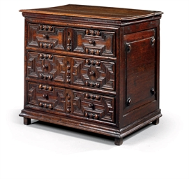 A CHARLES II OAK SMALL CHEST