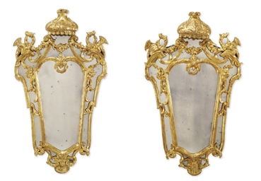 A MATCHED PAIR OF ITALIAN GILT