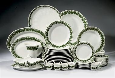 A Meissen porcelain 'Vine leaf
