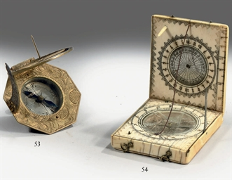 A FRENCH IVORY DIPTYCH SUNDIAL