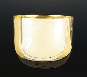 Two 9ct. gold tumblers