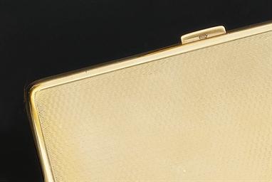 A 9ct. gold cigarette case