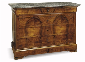 A LOUIS PHILIPPE WALNUT COMMOD