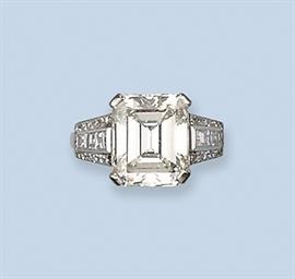 A FINE DIAMOND SINGLE STONE RI