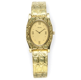 AN 18K GOLD WRISTWATCH, BY DAV