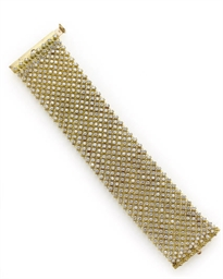 A DIAMOND AND GOLD BRACELET