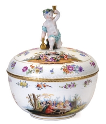 A GERMAN PORCELAIN OZIER-MOLDE