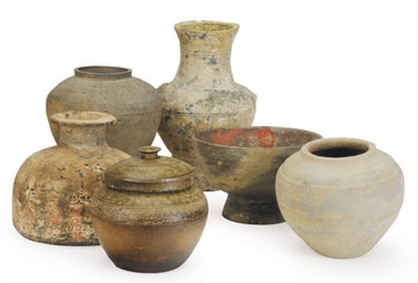 FIVE CHINESE POTTERY VESSELS,