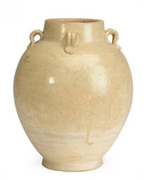 A CHINESE STRAW-GLAZED POTTERY