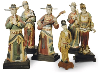 FIVE CHINESE POLYCHROMED POTTE