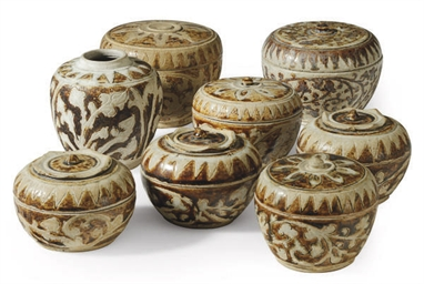 SEVEN NORTHERN THAI POTTERY JA