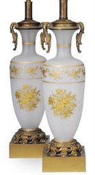 A PAIR OF GILT-DECORATED FROST