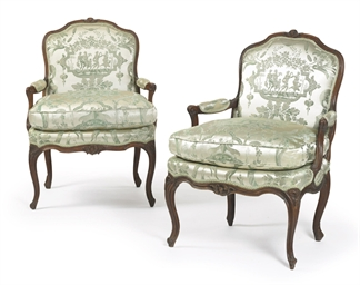 A PAIR OF LOUIS XV BEECH FAUTE