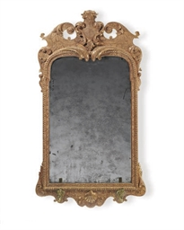 AN ENGLISH GILT-GESSO MIRROR