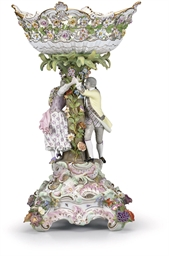 A MEISSEN FLOWER-ENCRUSTED FIG