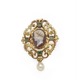 AN ANTIQUE AGATE, EMERALD, GOL