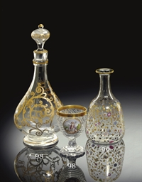 A SAINT LOUIS GILT GLASS DECAN