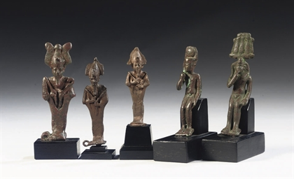 A GROUP OF EGYPTIAN BRONZE FIG