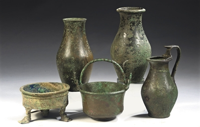 A GROUP OF ROMAN BRONZE VESSEL