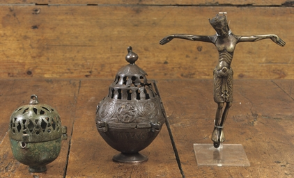 A BRASS FIGURE OF THE CRUCIFIE