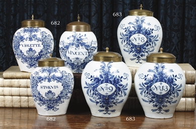 A SET OF THREE DUTCH DELFT BLU