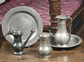 A DUTCH PEWTER WINE FLAGON, JA