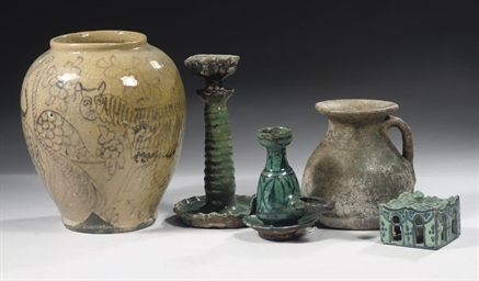 A GROUP OF POTTERY VESSELS, IR
