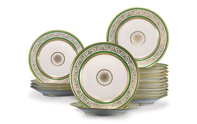 A Set of Eighteen Porcelain Di