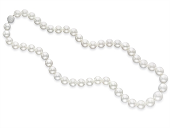 AN IMPRESSIVE CULTURED PEARL A