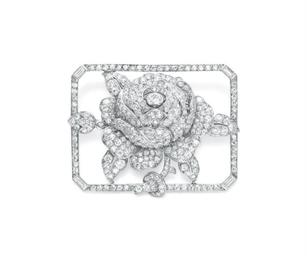 AN ART DECO DIAMOND ROSE BROOC