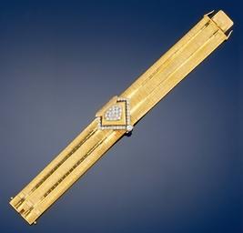 A lady's diamond set bracelet