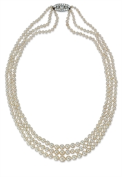A THREE-STRAND PEARL NECKLACE