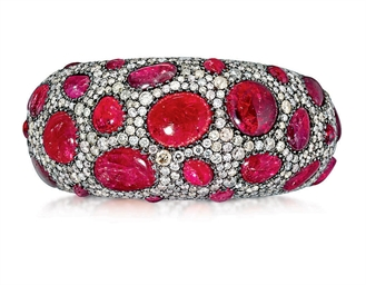 A SPINEL AND DIAMOND BANGLE, B