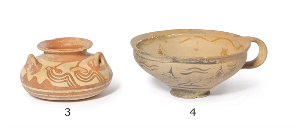 A MYCENAEAN POTTERY THREE-HAND