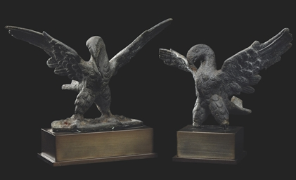 A PAIR OF ROMAN BRONZE EAGLES