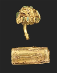 A BACTRIAN GOLD BOSS