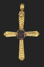 A BYZANTINE GOLD CROSS