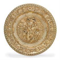 A GEORGE III SILVER-GILT SIDEBOARD DISH