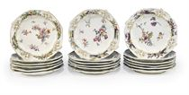 EIGHTEEN CHELSEA PORCELAIN DESSERT-PLATES