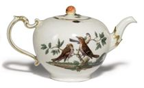 A LUDWIGSBURG ORNITHOLOGICAL TEAPOT AND COVER