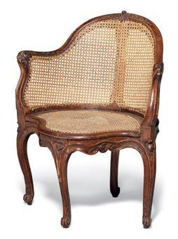 fauteuil de bureau d epoque louis xv trace d estille travail du milieu du xviiieme siecle