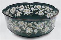 A cloisonné-enamel bowl