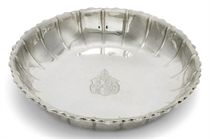 A GEORGE II SILVER STRAWBERRY DISH