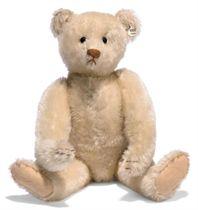 A STEIFF TEDDY BEAR, (5322), jointed, white mohair, soft stu