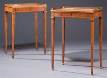 PAIRE DE TABLES D'EPOQUE NEOCLASSIQUE