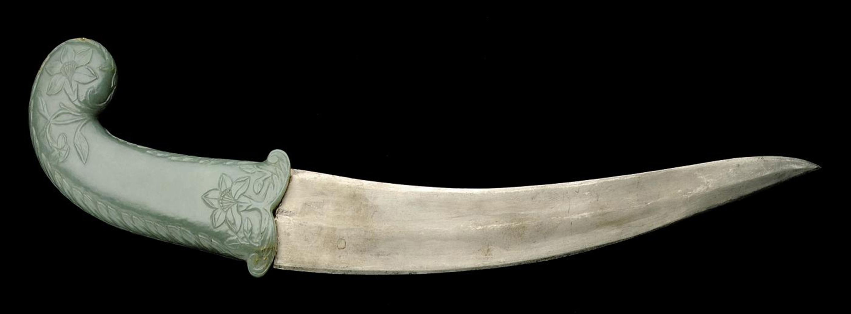 A Mughal Celadon Jade Dagger Handle 17th 18th Century