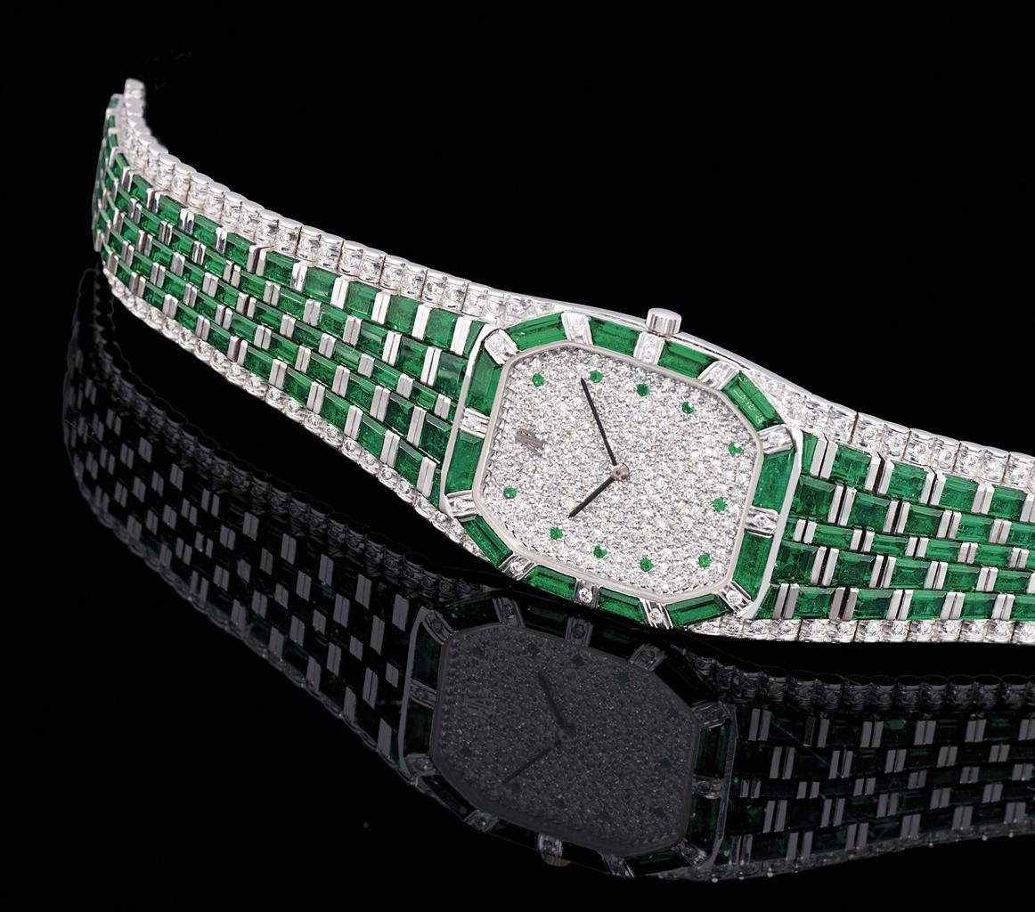 Audemars piguet impressive and important white gold diamond and emerald set quartz bracelet for Audemars piguet kinetic
